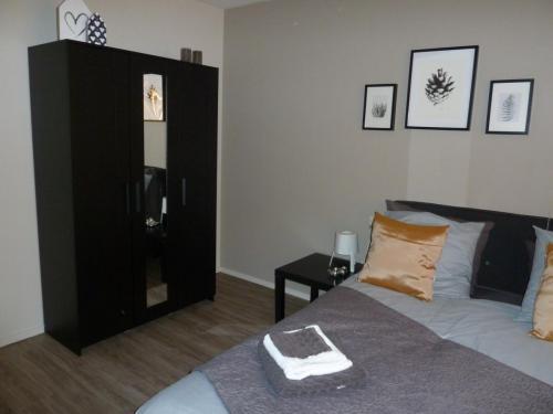 slaapkamer met kastruimte
